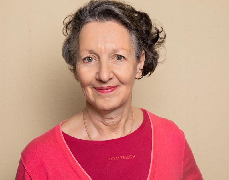 Dr. Sylvia Stein-Krumholz